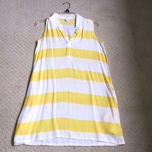 Light sleeveless collared summer dress